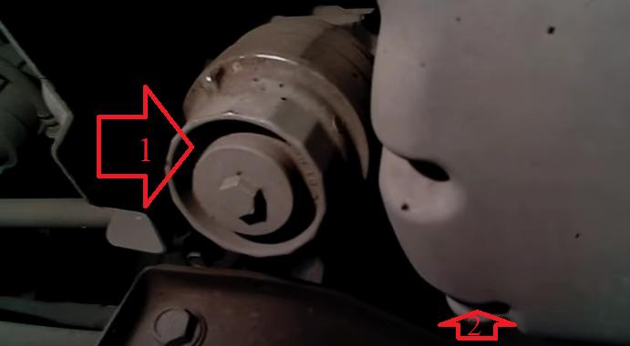 Сливная пробка масла двигателя на Тойота Пассо